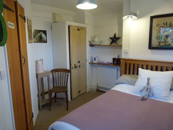 Pheasants private room, Middle Barn Farm