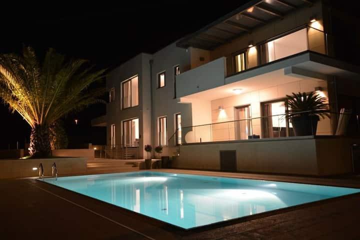 Luxury Villa Valsavia - Apartment Monsena