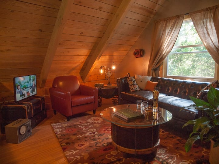 Treehouse-vibe Cabin - Lakeview- No Cleaning Fees