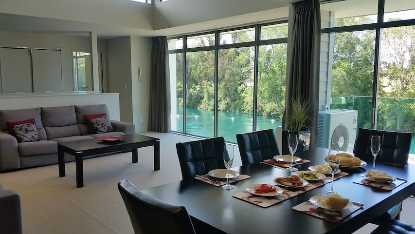 Riverside Apartment 1 Taupo NZ - タウポ