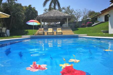 Bungalow de los Amigos. Cuernavaca - Xochitepec
