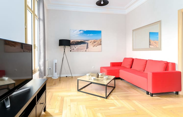 Bright and spacious apartment equipped with all comfort, at two steps from