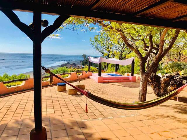 Gorgeous Villa Ocean Front