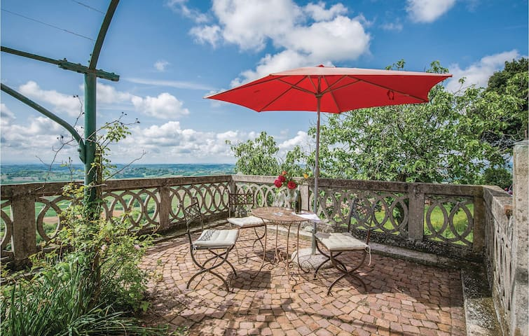 Holiday cottage with 5 bedrooms on 420m² in Alfiano Natta -AL-