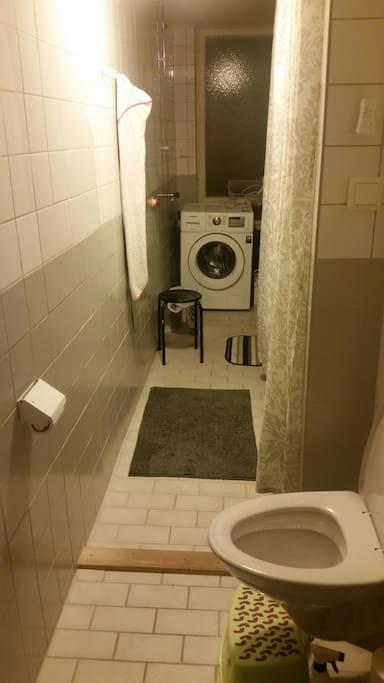 Tvättmaskin  och badkar