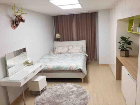 Minami's Luxury Home in Pyeongtaek (매번 소독하는 안전한 집)