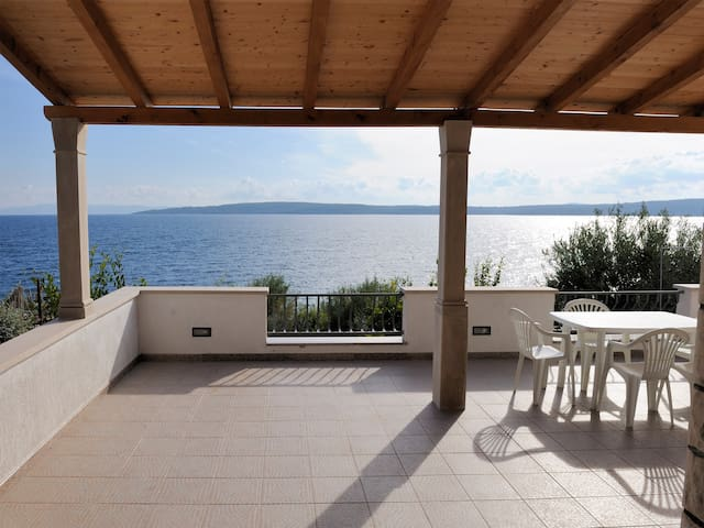 Apartment no.1 with terrace-sea view - Zavala - Leilighet