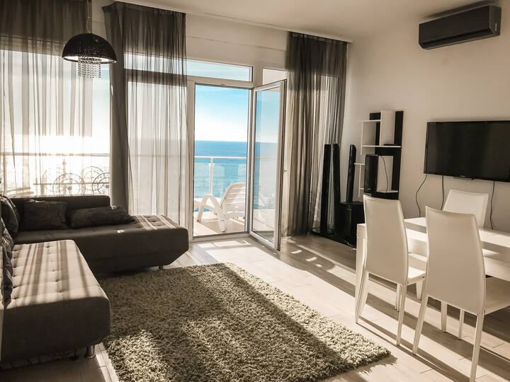 Luxury apartment with sea view SkyFort А102