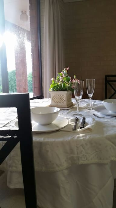 Place settings for a viewtiful meal