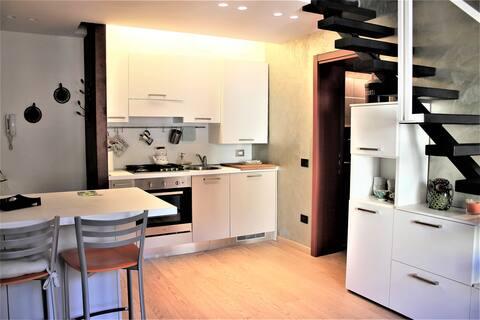 Nuovo appartamento mansardato in centro storico