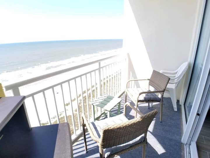 ☆MARCH MADNESS DEALS☆ Oceanfront Balcony view ☆NEW