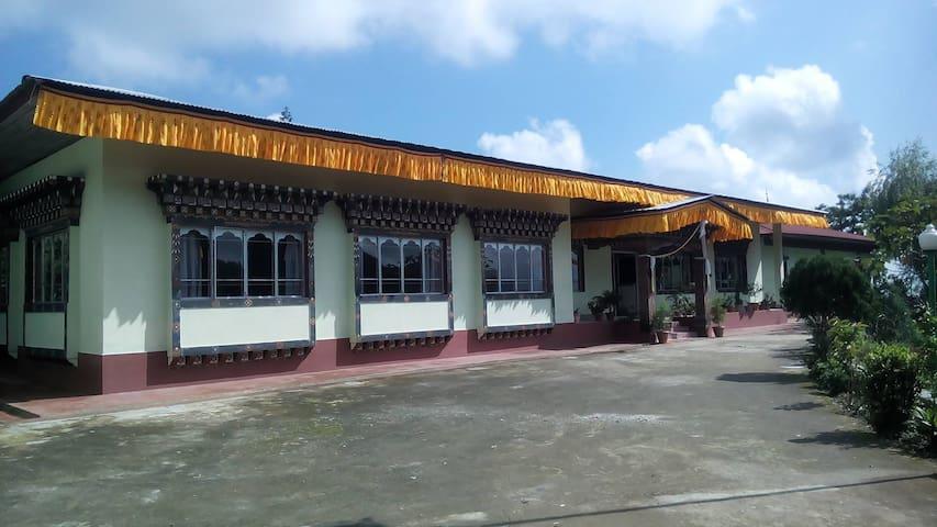 Dungsam Trashiling Resort