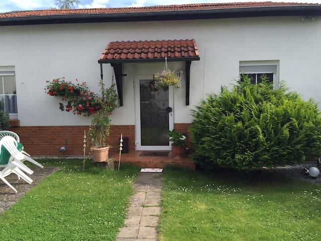 Schönes Privatzimmer in Bingen/Rhein (Zimmer2) - Bingen am Rhein - House