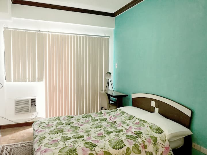 Homey & Businessman Friendly Studio Unit In Makati