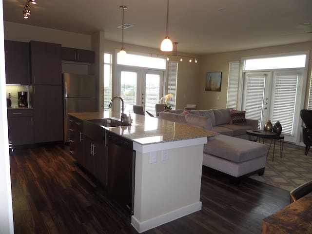 USAA & Medical Center Furn. 2BD/2BA (SA401)
