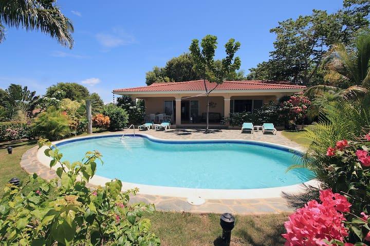 Villa Swimming-pool Seaview  4bedrooms 8p  275m2