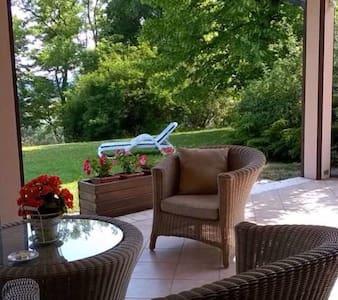 Carmen de Nella Eco Lodge, 4**** - Loc. Gaon, Caprino Veronese - Bed & Breakfast