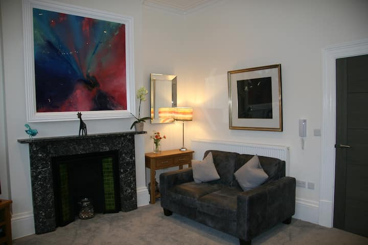 East Parade Luxury Apartment