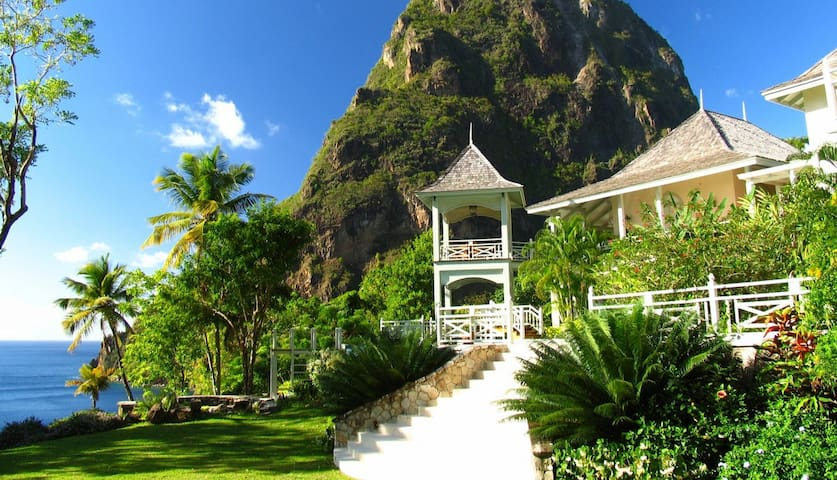 5 bd, pool, Piton Views, beach 5 mi - Soufriere - Rumah