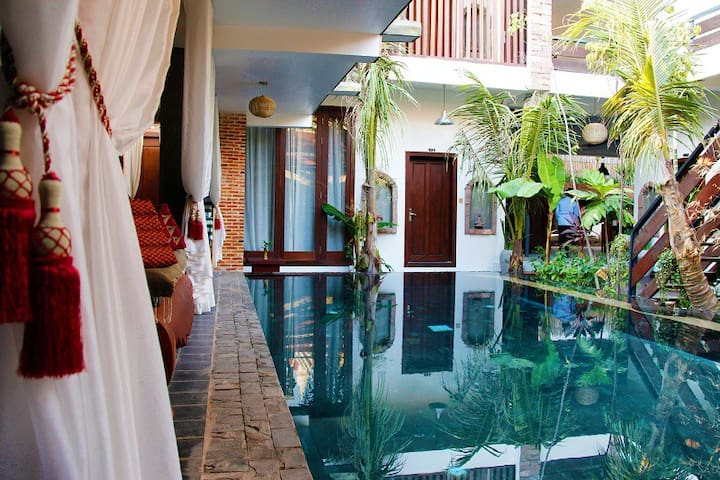 Lovely room in an exquisite property near Angkor