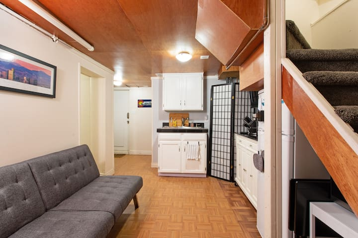 Cute and cozy apartment - central & walkable!