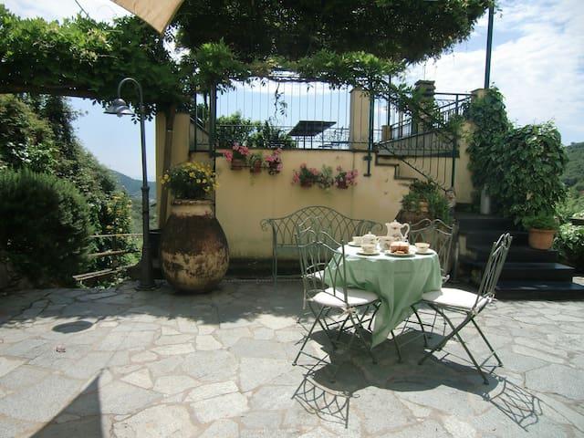 Casa con vista in località San Bernardo