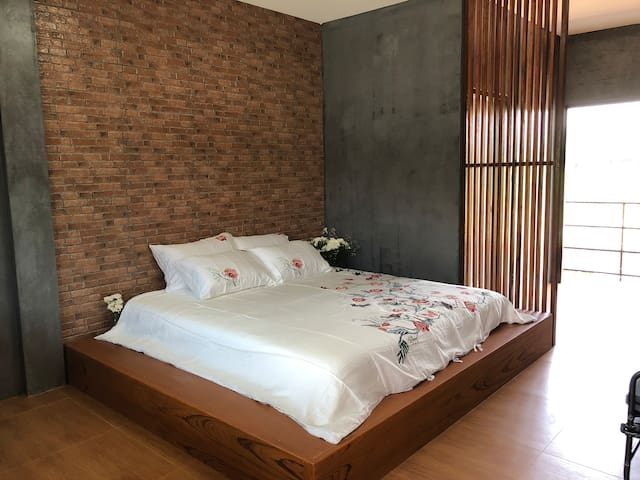 Homjai Farmstay Sankamphaeng - King Bed Room