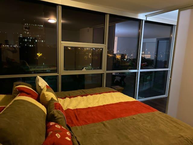 Spacious 2 Bedroom 2 bath condo with SkyLine View
