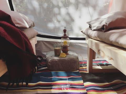KHANABADOSH BAITHAK - TENT & BREAKFAST