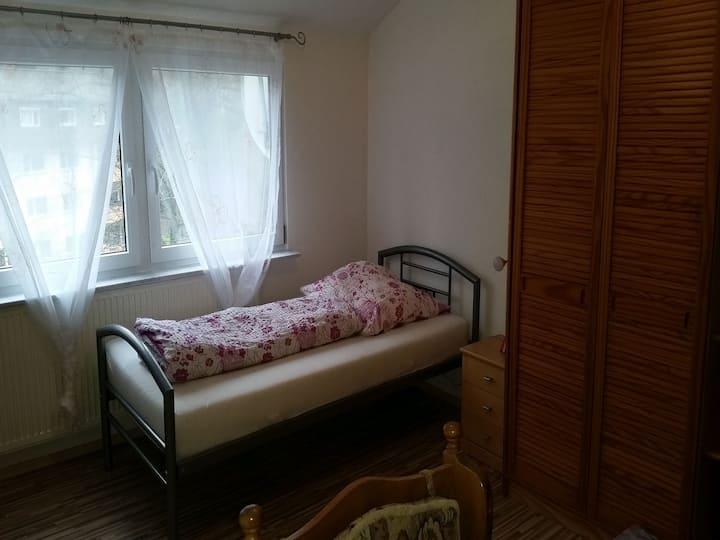 Gästehaus 22 - Appartementhaus, (Baden-Baden), EZ-Appartement, Küche, Duschbad und WC, max. 1 Personen