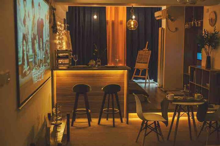 团居小宿 NO1一线观江 一客一消毒 中央大街 索菲亚网红桥百寸影院投影 游戏机 可住多人  可做饭