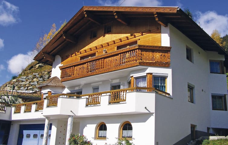 Holiday apartment with 1 bedroom on 35m² in Kappl