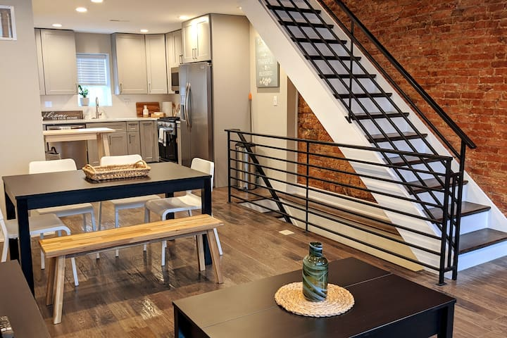 Spacious New Home in East Passyunk - Superhost
