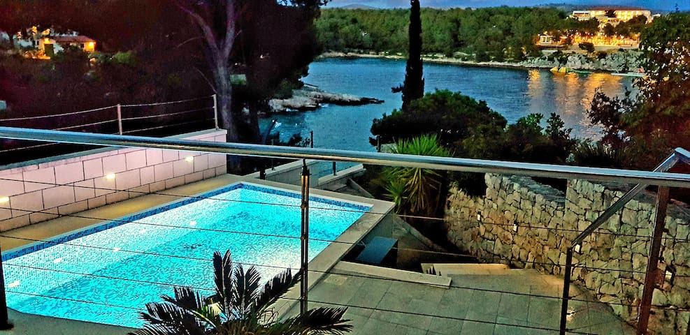 Villa Pia Brač house by the sea with swimming pool