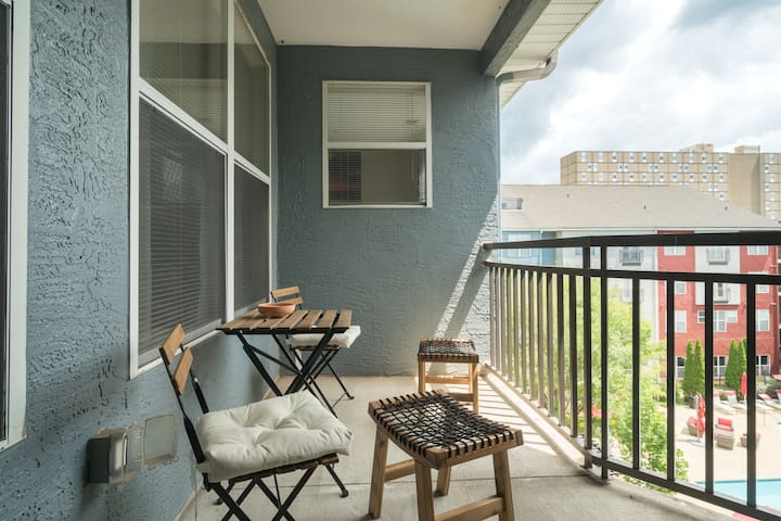 Beautiful 2BD in heart of Downtown on Beltline.