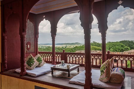 6 Bed Heritage Fort with Ranthambore forest view