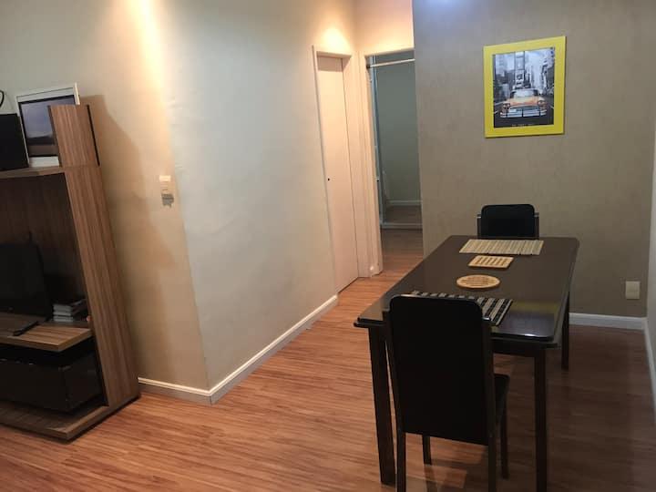 Apartamento família bem localizado e fácil acesso.