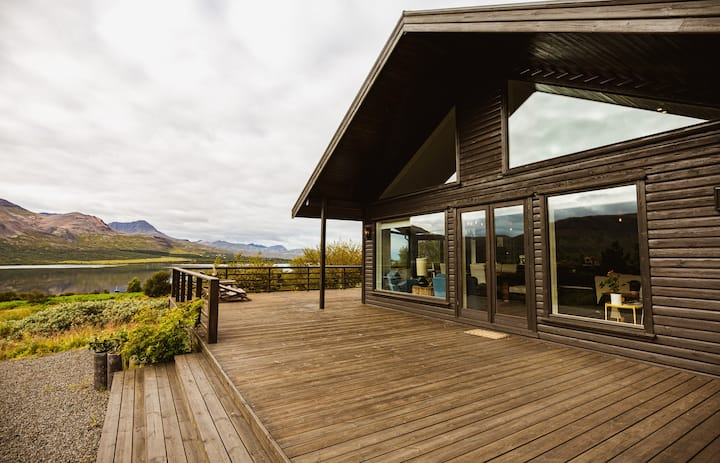 Stunning luxury Villa by the lake Skorradalsvatn in West Iceland.