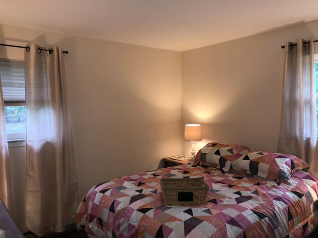 Cozy Bedroom! - Great for Business Travelers