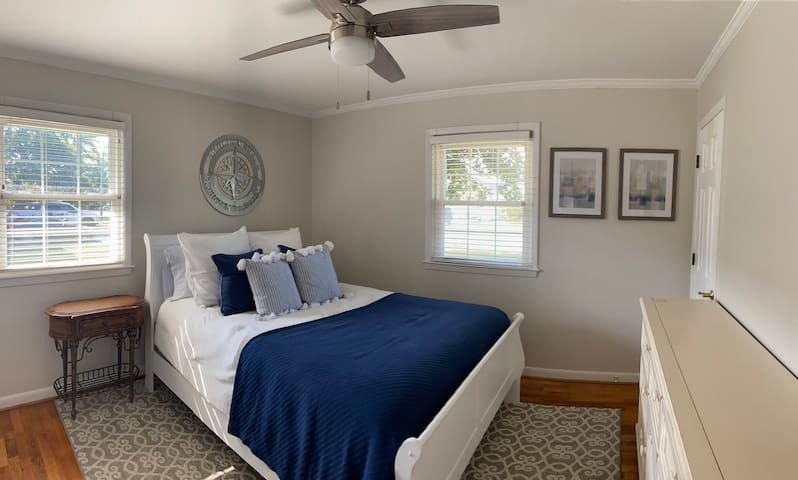 Master Queen Bed with Private Bath/Shower. Access to Roku TV and full closet and dresser for belongings.