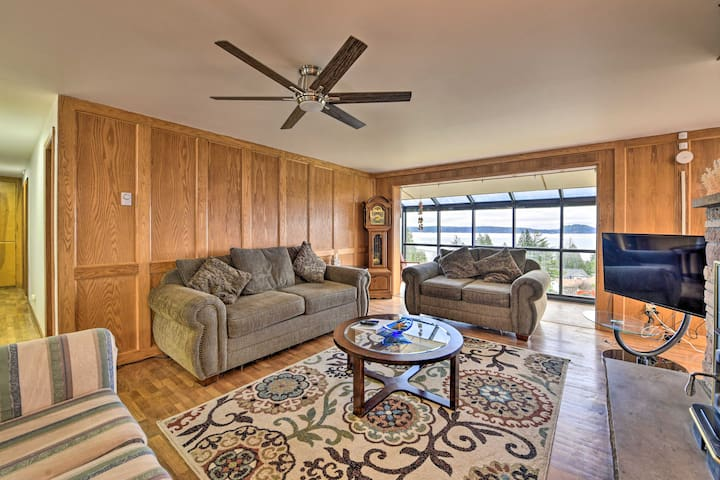 NEW! Family Home w/ Skagit Bay View, 6 Mi to Dwtn!