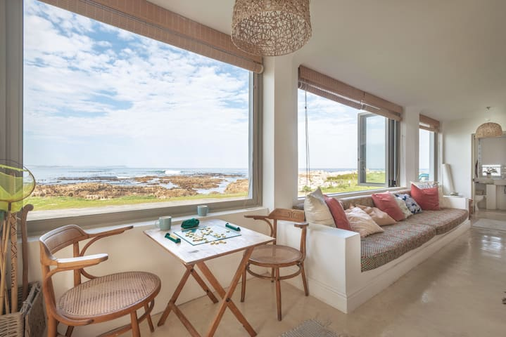 The big window in front opens up to the sea - great place for reading and watching the sunset colours over the sea