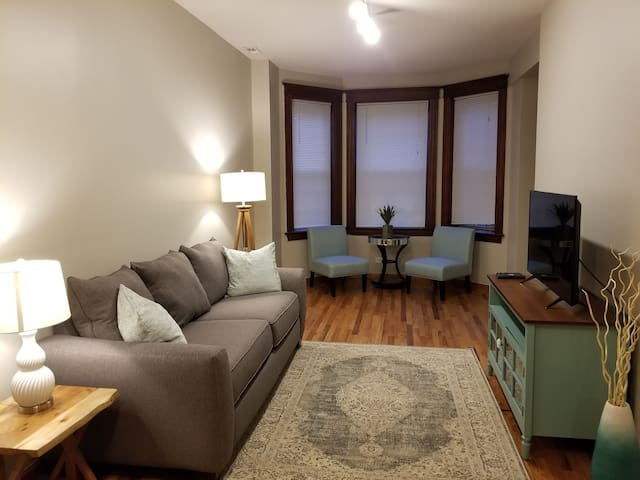 The Greenview Place - w/ Full Apartment Amenities!