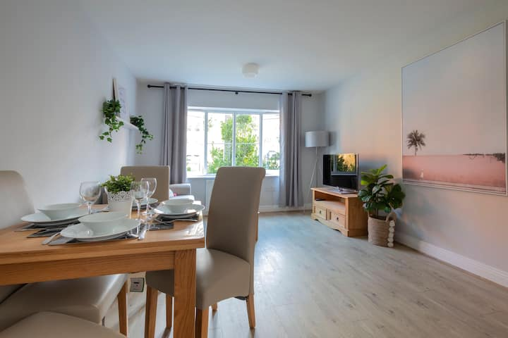 ☆Stunning central apartment with FREE parking☆