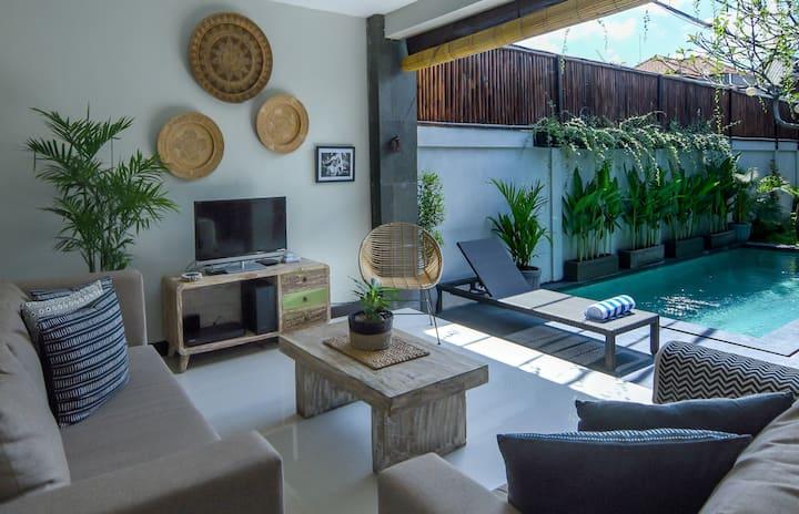 PROMOTropical Open-Plan 2BDR Pool Villa | Seminyak