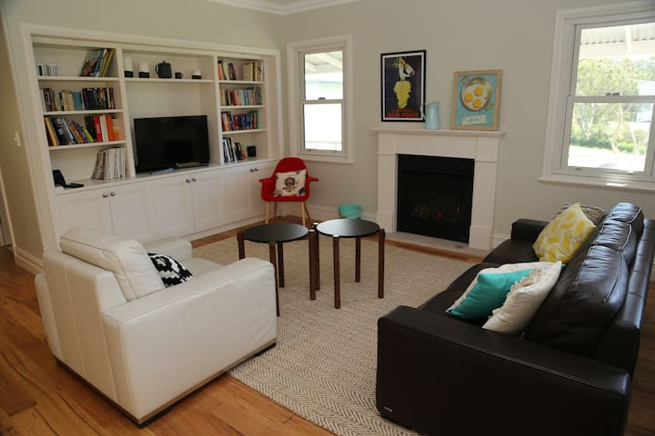 Living Room with Jetmaster Gas Fireplace