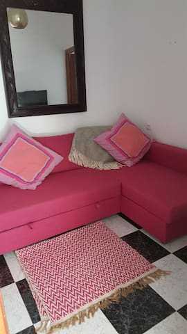 Walk through bedroom with sofabed