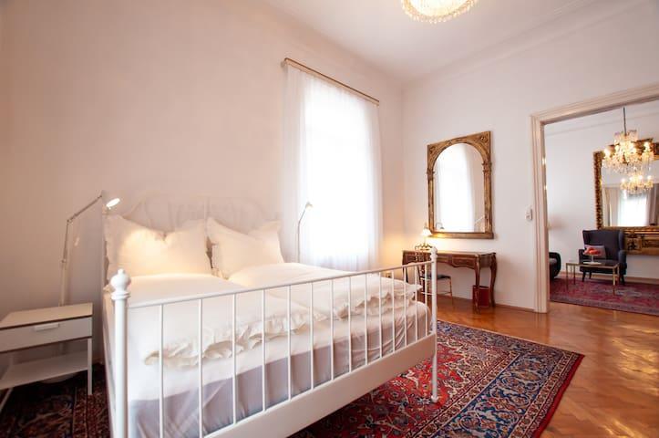 Original Viennese Apartment