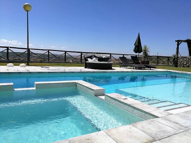 Gran Chalet, piscina, jacuzzi, wifi, vistas