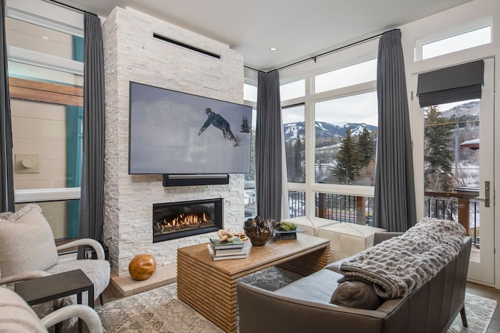 New Riverfront Townhome! Spectacular Mountain Views! Enjoy Luxury Amenities!